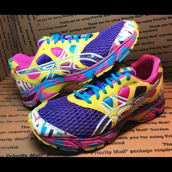 low priced 3c84d de156 Womens Asics Gel Noosa Tri 7 Running Shoes SZ 9.5.  M 5c71970c34a4ef370869f2e8